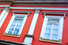 Janelas superiores do Palácio Imperial de Petrópolis.