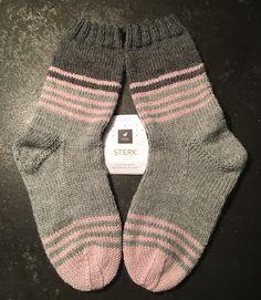 92/2018 Knitting, Design, Fashion, Socks, Tricot, Knitting Socks, Scarves, Moda, Fashion Styles