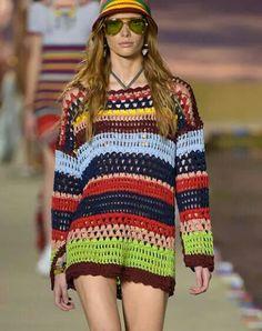 Fabulous Crochet a Little Black Crochet Dress Ideas. Georgeous Crochet a Little Black Crochet Dress Ideas. Crochet Hippie, T-shirt Au Crochet, Cardigan Au Crochet, Beau Crochet, Moda Crochet, Pull Crochet, Crochet Jacket, Crochet Woman, Crochet Cardigan