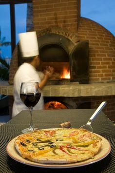 Thin-crust Italian Pizza, #HaciendaTresRios