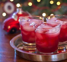 A refreshing and delicious cocktail made from pomegranate juice, Fresca and vodka – a great combination of flavors!
