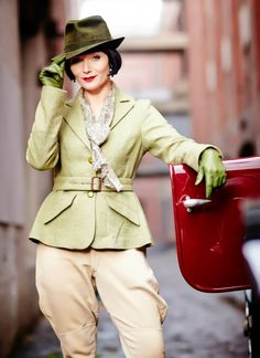 Miss Phryne Fisher (Essie Davis) in 'Framed For Murder' (Series 2, Episode 9) #millinery #judithm #hats