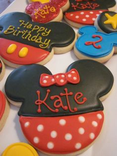 Mickey/Minnie Mouse Cookies...the sparkly ones in the back are so cute!!