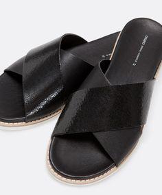 Leather image sandals - OYSHO
