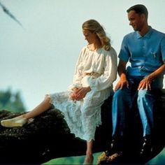 A vida para o inesquecível Forrest Gump era como uma caixa de bombons. Ou seja: nunca se poderia saber ao certo o que viria depois. Mas seu amor por Jenny isso sim ele tinha certeza que seria eterno desde os tempos de criança. E você? Qual casal do cinema que mais marcou sua vida? Neste #DiadosNamorados escolha o seu e marque com #AmordeCinema (via @camilalimaq ) #forrestgump #tomhanks #robinwright  via MARIE CLAIRE BRASIL MAGAZINE OFFICIAL INSTAGRAM - Celebrity  Fashion  Haute Couture…