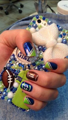 This way you know each one of your nails will look the same. You will be unable to to believe how beautiful your nails look, after you try this awesome seahawks nails design. Football Nail Designs, Football Nail Art, Holiday Nail Designs, Nail Art Designs, Nails Design, Love Nails, How To Do Nails, Pretty Nails, Seahawks Nails