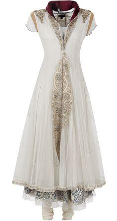 Gorgeous neckline Ivory kurta set by ANJU MODI. http://www.perniaspopupshop.com/designers-1/anju-modi