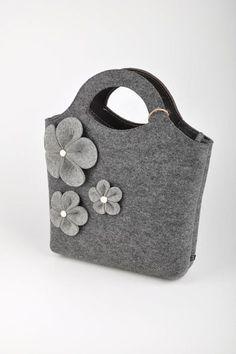 d23888cd9b 45 fantastiche immagini su Borse in feltro   Backpacks, Handmade ...