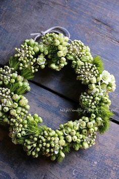 ۞ Welcoming Wreaths ۞ DIY home decor wreath ideas - green wreath