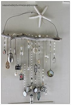10 Knowing Simple Ideas: All Natural Home Decor Lights natural home decor diy etsy.Natural Home Decor Rustic Chandeliers natural home decor diy projects.All Natural Home Decor Lights. Beach Crafts, Fun Crafts, Diy And Crafts, Arts And Crafts, Nature Crafts, Carillons Diy, Easy Diy, Diy Wind Chimes, Seashell Wind Chimes