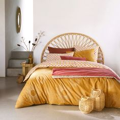 Tio Rattan Headboard - - The Tio rattan headboard brings a touch of the exotic into the bedroom ! Pink Headboard, Rattan Headboard, Home Bedroom, Bedroom Decor, Decor Room, Home Decor, Bedroom Vintage, Home And Deco, New Room