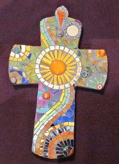 @PinFantasy - Mosaic Cross ~~ For more:  - ✯ http://www.pinterest.com/PinFantasy/arte-~-con-mosaicos-mosaic-art/