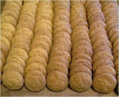 APPELKOOSKONFYT KOEKIES bestandele / 6 ingredients only) 8 koppies koekmeelblom margarien 4 koppies suiker 5 teelepels koekso. Bulk Cookie Recipe, 100 Cookies Recipe, Quick Cookies, Easy Cookie Recipes, Biscuit Recipe, Drop Cookies, Biscuit Cookies, Angle Food Cake Recipes, Tart Recipes