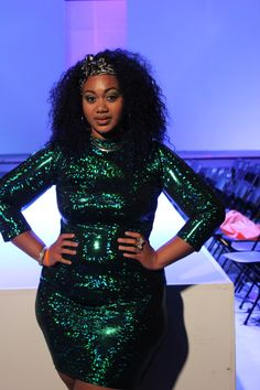 """dopenmind: """"Shine bright like a diam…an emerald! """"Amy"""" dress in emerald. Had to have it because, y'know, Emerald Shaw. Chubby Fashion, Curvy Girl Fashion, Bold Fashion, Plus Size Fashion, Womens Fashion, Plus Size Girls, Curvy Plus Size, Emerald Dresses, Girl Closet"""