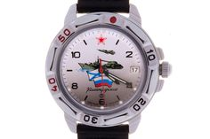 WATCH VOSTOK KOMANDIRSKIE 431535 ARMY, AVIATION, NAVY. At the top of the face, at the level of twelve-hour point, there is a red five-pointed star with a white border – the insignia of the Aviation of the USSR (since 1943) and Russian (until March 2010) Armed Forces. #russian #mechanical #military #watches #vostok #komandirskie #gifts #souvenirs #aircraft #tank #tricolor #warship