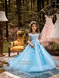 2143  Flower Girl Dress - Birthday Wedding Party Holiday Bridesmaid Communion Lace Tulle    #flowergirldresses   #flowergirldress #firstcommuniondress   #firstcommunion #pageantdress  #princessdress Inexpensive Wedding Dresses, Affordable Bridesmaid Dresses, Little Girl Dresses, Girls Dresses, Flower Girl Dresses, Girls Party Dress, Birthday Dresses, Dresses Near Me, Robes D'occasion
