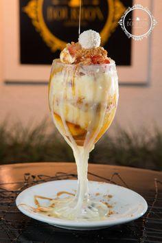 Taça Rafaello: sorvete de creme, beijinho, paçoca e calda de caramelo