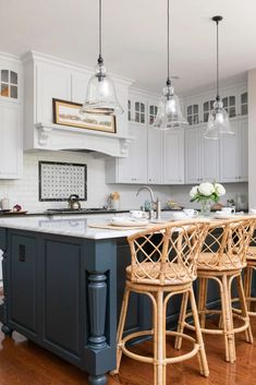 Durham NC kitchen remodel - cat french design Beautiful Kitchen Designs, Modern Kitchen Design, Beautiful Kitchens, Modern Coastal, Modern Farmhouse Kitchens, Durham, Kitchen Inspiration, Portfolio Design, Kitchen Remodel