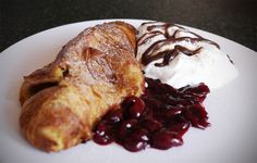 Kitchenette - French toast croissant