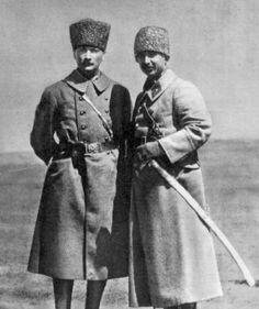 Atatürk ve Ismet Inonu