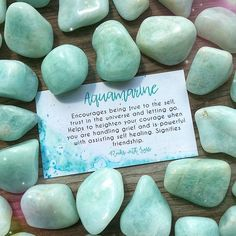 💚 Aquamarine encourages being true to the self, trust in the universe and letting go. Helps to heighten your courage when you're handling grief and is powerful with assisting self healing. Crystals Minerals, Rocks And Minerals, Crystals And Gemstones, Stones And Crystals, Gem Stones, Story Stones, Crystal Healing Stones, Crystal Magic, Crystal Grid