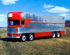 This thing is cool! Heavy Duty Trucks, Big Rig Trucks, Semi Trucks, Cool Trucks, Cool Cars, Antique Trucks, Vintage Trucks, 6x6 Truck, International Harvester Truck