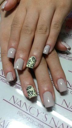 Refill de uñas acrilicas Naturales y diseño en nail art pen