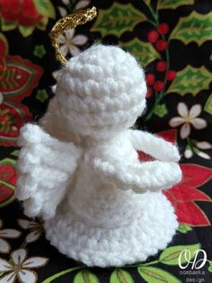 This Little Crochet Angel is just 3.5 inches tall. Crocheted in Red Heart Super Saver with a 4 mm hook she will take about 1 hour to crochet