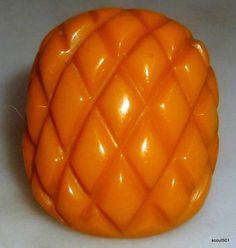 Vintage-1930s-Bakelite-Carved-Pineapple-Crosshatch-Art-Deco-Ring