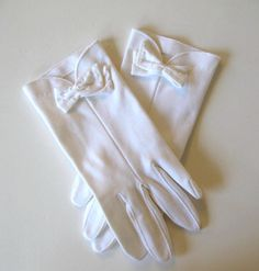 Vintage Dress White Gloves Woman's Accessory by jewelryandthings2, $16.00