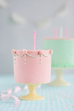 Little Wee Cake for a Little Wee Cakelet by Sweetapolita, via Flickr