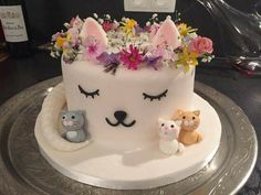 Elegant Photo of Cat With Birthday Cake . Cat With Birthday Cake Cat Cake Birthday Cake Ideas In Baby Cakes, Girl Cakes, Cupcake Cakes, Cake Girls, Kitty Party, Pretty Cakes, Cute Cakes, Bolo Sofia, Birthday Cake For Cat