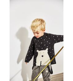 Back button closure and front raccoon print. Zara Fashion, Fashion Mode, Fashion Outfits, Baby Boy Fashion, Kids Fashion, Zara Boys, Sporty Style, Beautiful Boys, Baby Boy Outfits