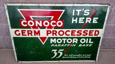 Oil Company Logos, Soda Machines, Vintage Gas Pumps, Old Signs, Oil And Gas, Gas Station, Globes, Plaque, Vintage Signs
