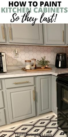 The RIGHT way to paint kitchen cabinets and how to do it yourself. The right method, right tools and best paint for DIY painted cabinets. Best Paint For Kitchen, Kitchen Paint, Kitchen Redo, New Kitchen, Kitchen Dining, Best Paint For Cabinets, Diy Painting Kitchen Cabinets, Kitchen Makeovers, Kitchen Ideas