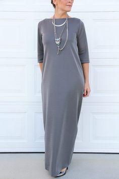 ΤΟ ΑΠΟΛΥΤΟ ΚΛΑΣΙΚΟ ΦΟΡΕΜΑ Το απόλυτο κλασικό φόρεμα που επιβάλλεται να υπάρχει στην γκαρνταρόμπα κάθε γυναίκας!!! Άνετο, χαριτωμένο ακόμα και sexy, ιδανικό για όλο το χρόνο!! Αυτού του είδους τα φορέματα δε φεύγουν ποτέ από τη μόδα, είναι στυλάτα και αριστοκρατικά. Το μόνο που χρειάζεστε είναι να αλλάζετε τα αξεσουάρ σε κάθε σας εμφάνιση. Με...