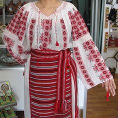 Costume populare romanesti Kimono Top, Sari, Costume, Tops, Women, Fashion, Saree, Moda, Women's