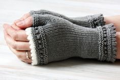 Soft winter mitts - these were for sale; no pattern