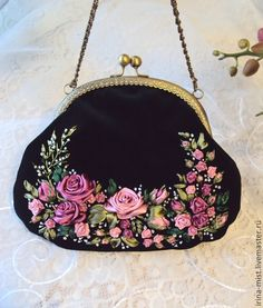 "Купить Бархатная сумочка ""Розы, розы..."" - чёрный, цветочный, дамская сумочка, вечерняя сумочка Embroidery Purse, Ribbon Embroidery Tutorial, Silk Ribbon Embroidery, Broderie Simple, Painted Bags, Frame Bag, Art Bag, Beaded Purses, Leather Bags Handmade"