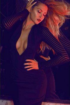Mandy Capristo: Sexy Dekolleté-Bilder