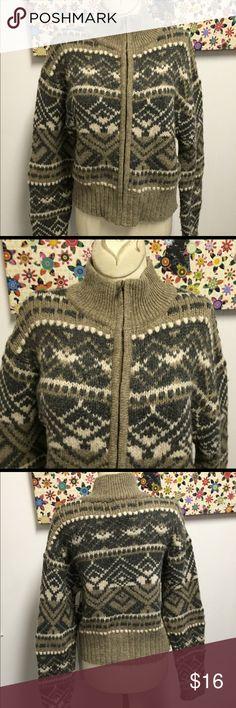 American Eagle 100% Shetland Wool Sweater Size S Size small, gently preowned. 100% Shetland wool. Full zip front. American Eagle Outfitters Sweaters Cardigans