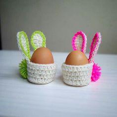 Crochet pattern Easter Bunny basket egg cozy egg by byaccessorise Easter Crochet Patterns, Crochet Crafts, Crochet Projects, Crochet Ideas, Easter Projects, Easter Crafts For Kids, Crochet Amigurumi, Crochet Toys, Easter Bunny Eggs