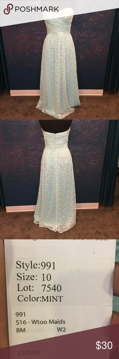 Mint lace dress with ruched top Mint lace dress with ruched top measures 38/30/40.5 All gowns stored in ziplock bags to keep them in tip top shape. May come slightly wrinkled due to this protection. Wtoo Dresses