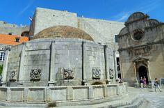 Veja 10 cidades medievais que você não pode perder Croácia Beach Club, Montenegro, Mount Rushmore, Taj Mahal, Mountains, Building, Nature, Travel, Grande