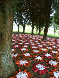 """""""Daisy Blanket"""" Sculpture in the Gardens Auckland 2012!  love this"""