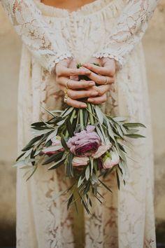 Wedding Florist Barcelona - best day ever Wedding Bouquets, Wedding Flowers, Dream Wedding, Wedding Day, Wedding Dress, Russian Wedding, Glam And Glitter, Best Day Ever, Bridal