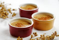 Pumpkin Flan is a smooth, creamy alternative to flan recipes. Similar to custard or a souffle, this Spanish dessert tastes great with the addition of pumpkin. This flan recipe is perfect for autumn and Thanksgiving dinners. Gluten Free Cooking, Gluten Free Desserts, Dessert Recipes, Cooking Recipes, Kosher Recipes, Pie Dessert, Pumpkin Flan, Pumpkin Dessert, Gourmet