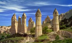 cappadocia mountains Board a train in Istanbul and you can make bargain tracks all over a country thats already one of the cheapest short-haul destinations World Most Beautiful Place, Amazing Places On Earth, Capadocia, Cappadocia Turkey, By Train, Train Rides, Travel Around, Geology, Wonders Of The World