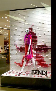 Fashion Window Display, Window Display Retail, Window Display Design, Retail Windows, Store Windows, Clothing Store Interior, Store Plan, Instalation Art, Store Displays