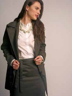Winter outfit | invierno | Conoce más tendencias en http://www.larcomar.com/blog | #trend2016 #skirt #winter2016